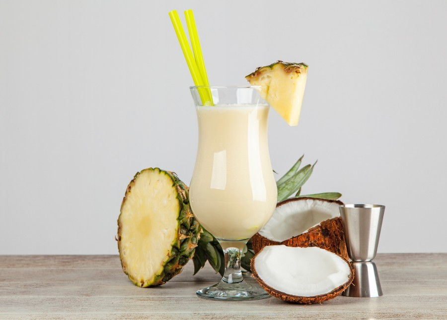 Pina Cola cocktail med ananas og kokos