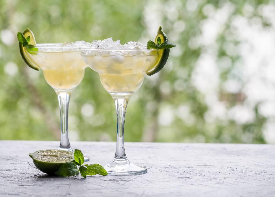 Margarita med lime og margarita glas